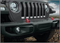 RUBICON® STEEL THREE-PIECE FRONT BUMPER