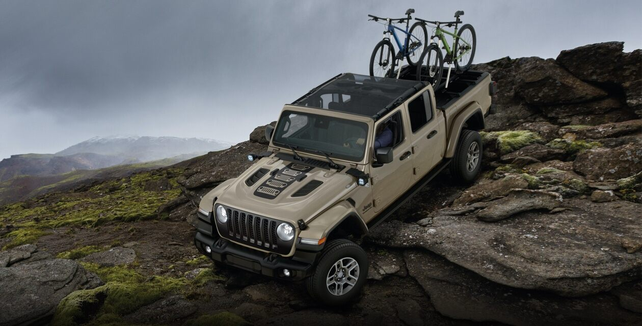 Jeep-Gldtr-B-no-roads